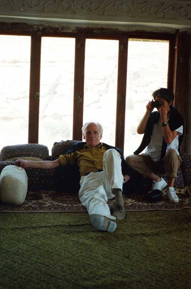 lain et Fusako Jouffroy dans un muffredge -Sana'a-Yémen